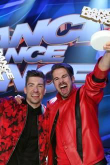 """Philipp Boy (l.) und Bene Mayr holen sich den Titel """"Dance Dance Dance""""-Star 2016."""