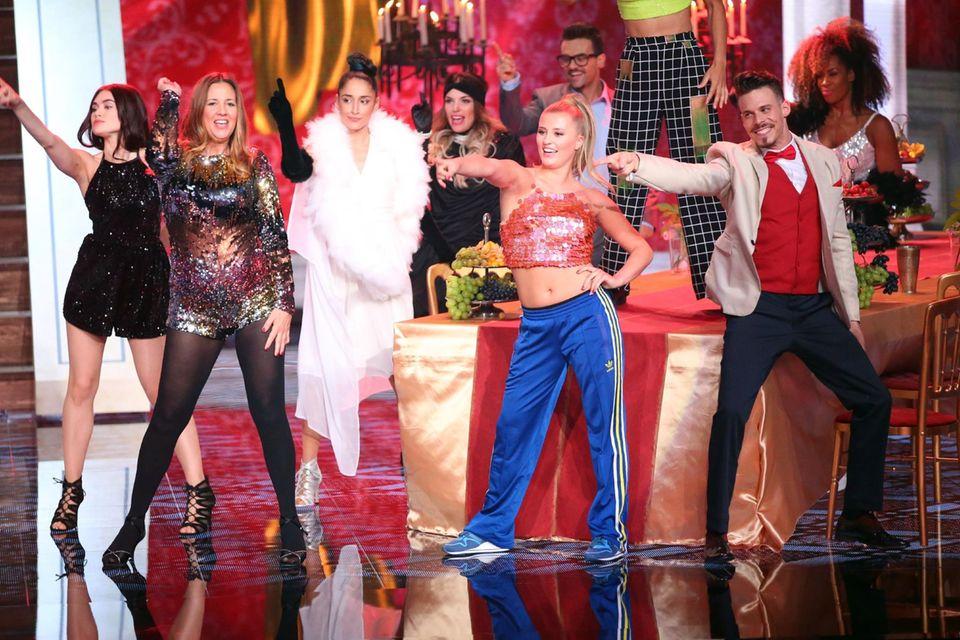 """Dana und Luna Schweiger tanzen zu """"Wannabe"""" von den Spice Girls."""