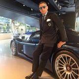 Und wieder ein Maserati für Lapo Elkann, selbstverständlich wieder passend zum maßgeschneiderten Anzug.