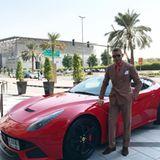 Mein Ferrari für heute - postet der Milliardär.