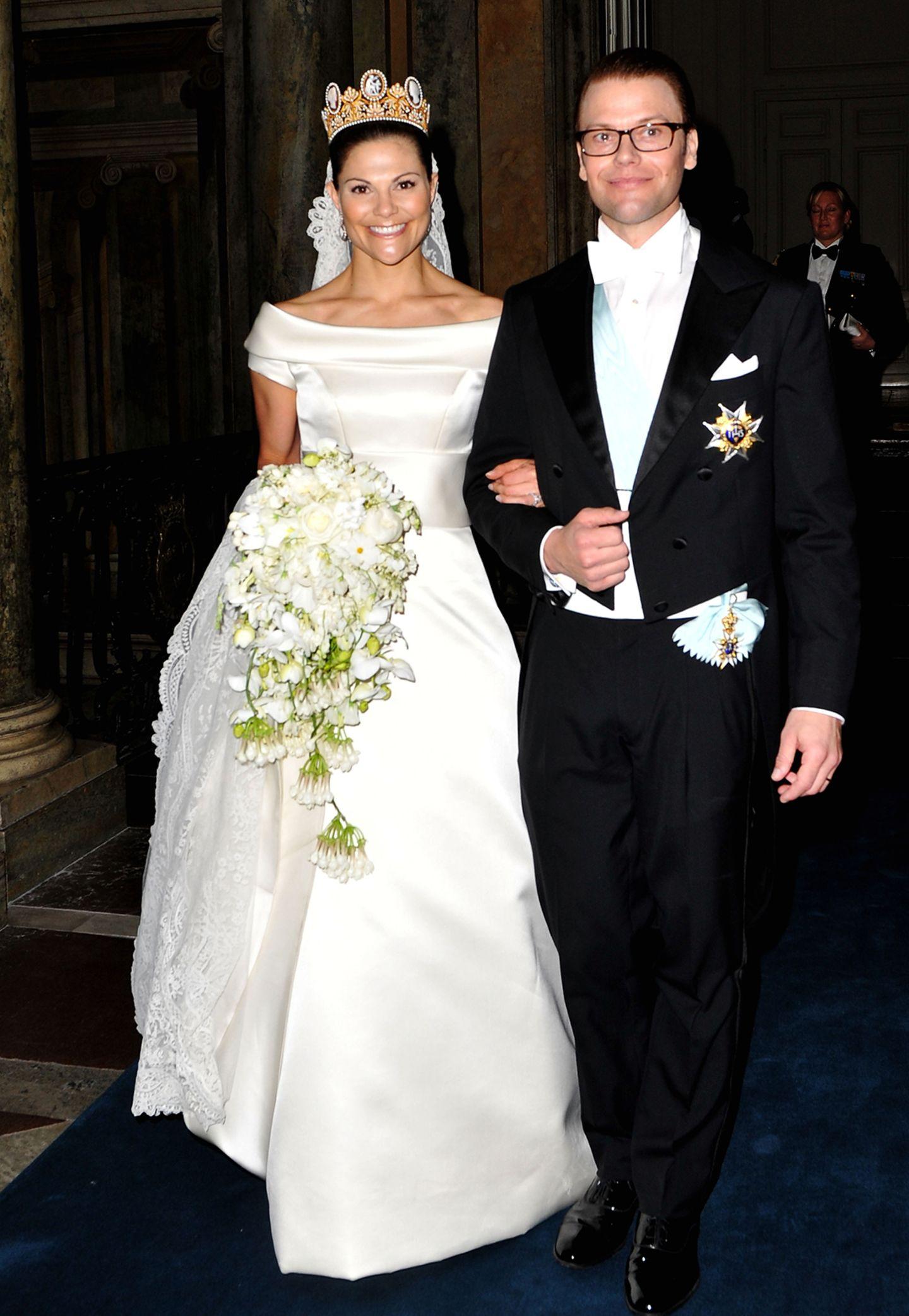Ihre Hochzeitskleider werden ausgestellt: Victoria, Sofia und