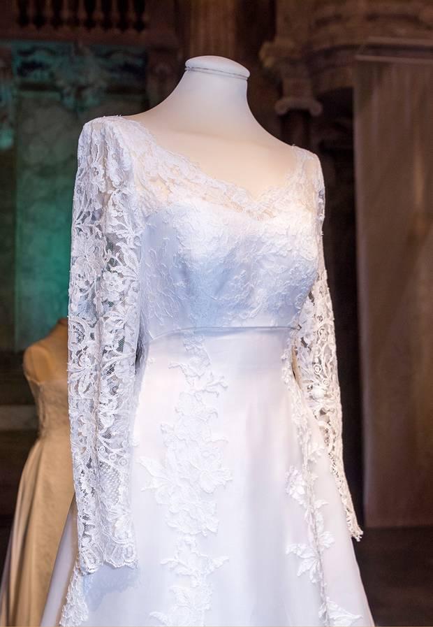 ... -Ausstellung: Die Hochzeitskleider der Schweden-Prinzessinnen
