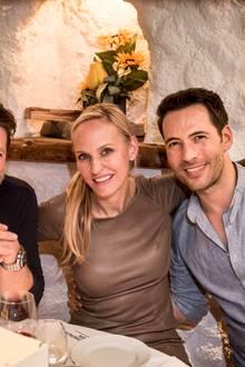 Schauspieler Bruno Eyron, Anne Meyer-Minnemann und Moderator Alexander Mazza im Talk.