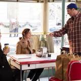 """Klar, kein Tag kann ohne einen Kaffee bei """"Luke's Dinner"""" beginnen. Der sympathsiche Cafébesitzer ist Lorelais große Liebe - oder?!"""