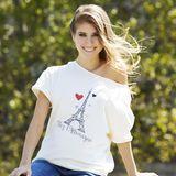 Cathy Hummels in ihrem designten Fan-Shirt.