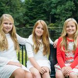 17. November 2016  Jetzt gibt es auf der Webseite des niederländischen Königshauses auch ganz offizielle Porträts der drei Prinzessin Amalia, Alexia und Ariane.