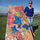 """Heidi Klum kann auch Kunst: Für die Organisation """"UNICEF"""" hat das Model dieses schöne Brett designt, um es für einen guten Zweck zu versteigern."""