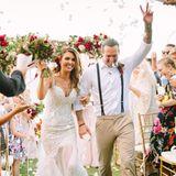 """5. November 2016: Was für ein Fest - Audrina Patridge und ihr Verlobter Corey Bohan feiern eine pompöse Hochzeit mit rund 100 Gästen auf Hawaii. Der """"The Hills""""-Star bezaubert in einem figurbetonten Spitzenkleid. Ihr Ehemann kleidet sich dagegen deutlich legerer."""
