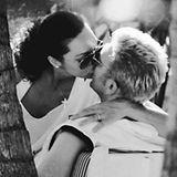 """22. November 2016   """"Happy Birthday, Liebe meines Lebens"""", mit diesen Worten gratuliert Lilly Becker ihrem Ehemann Boris Becker zum 49. Geburtstag. Dazu postet sie ein Kuss-Foto aus den Anfängen ihrer Beziehung und rührt damit nicht nur ihre Fans."""