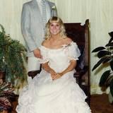 Milchbubi Brad Pitt besucht 1982 mit seiner damaligen Freundin Tonya Westphalen den Abschlussball der Highschool in Missouri.