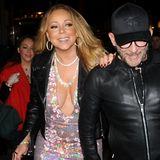 Spätestens wenn Mariah Carey diese Fotos zu Gesicht bekommt, wird ihr das Lachen vergehen. Die Diva hat ihr Unterhöschen vergessen und beim Laufen verrutscht ihr Kleid und legt den Blick auf Mariahs Intimbereich frei.