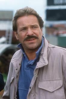 Ein echter Raubein aus dem Pott ist und bleibt Horst Schimanski, gespielt von dem großartigen Schauspieler Götz George (†). Sein Markenzeichen ist seine schmuddelige Armeejacke und seine Ruhrpottschnauze. An seiner Seite ist der korrekte Anzug- und Fliegenträger Christian Thanner, gespielt von Eberhard Feik (†), der sich peinlich genau an die Vorschriften hält. Der Duisburger Tatort ist bis heute ungeschlagen in der Beliebtheitsskala.