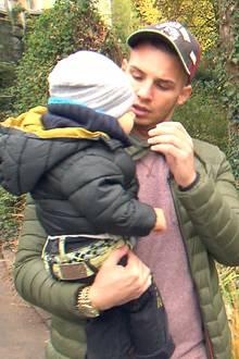 Liebevoll kümmert sich Pietro um den kleinen Alessio, sein einziges Kind mit (Noch-)Ehefrau Sarah Lombardi.