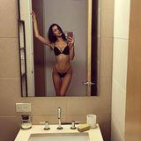 Topmodel Bella Hadid ist schon ganz aufgeregt. Bei der Victoria's-Secret-Show in Paris wird sie ihr Debüt als Dessous-Engel geben und zeigt mit diesem sexy Badezimmer-Selfie ihren Follower schon mal, wie gut sie in Form ist. Und wenn sie nach der Show dann ein paar Kilo zunimmt, wären einige ihrer Fans auch wieder beruhigt.