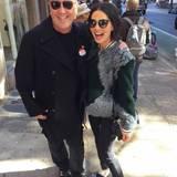 Olivia Munn trifft auf ihrem Weg zur Wahl Modedesigner Michael Kors.
