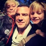 Liev Schreiber hat seine Kids mitgenommen.