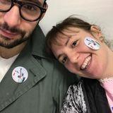 """""""Meine Familie hat gewählt und könnte nicht glücklicher sein. Und ihr?"""", kommentiert Lena Dunham ihr Foto, das sie mit ihrem Freund Jack Antonoff zeigt. Die Schauspielerin hat Hillary Clintons Kampagne unterstützt."""