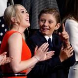 Barron ist das jüngste Kind von Donald Trump. Zum Social-Media-Hit wurde er während der Wahlsiegesrede seines Vaters, als er mit hartnäckiger Müdigkeit zu kämpfen hatte. Kein Wunder, war es doch bereits drei Uhr in der Früh.