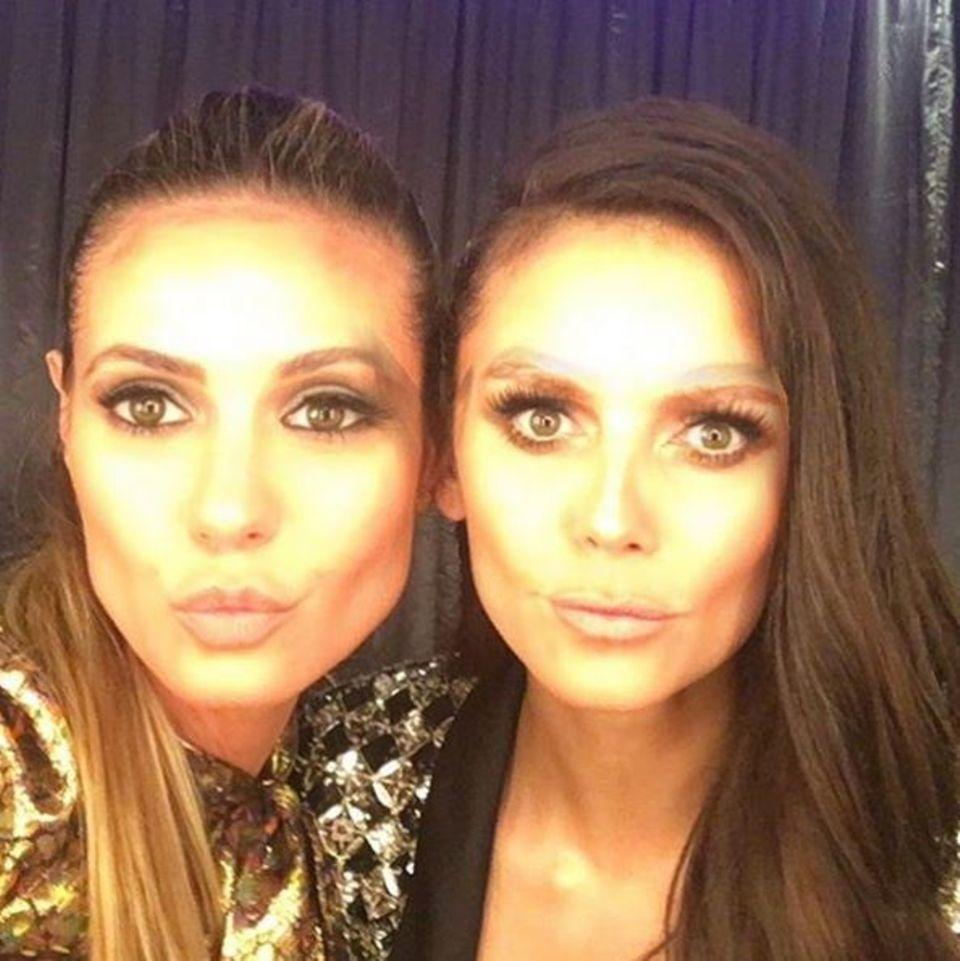 """Heidi Klum (links) und Nina Dobrev (rechts) haben während der """"American Music Awards"""" die Gesichter getauscht. Dabei wird eines klar: Die beiden sehen sich ganz schön ähnlich."""