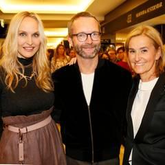 Anne Meyer-Minnemann (GALA Chefredakteurin), Marcus Luft (stellv. Chefredakteur und Modechef GALA) und Petra Fladenhofer (Head of Marketing & Communication KaDeWe) genießen das Event in vollen Zügen.