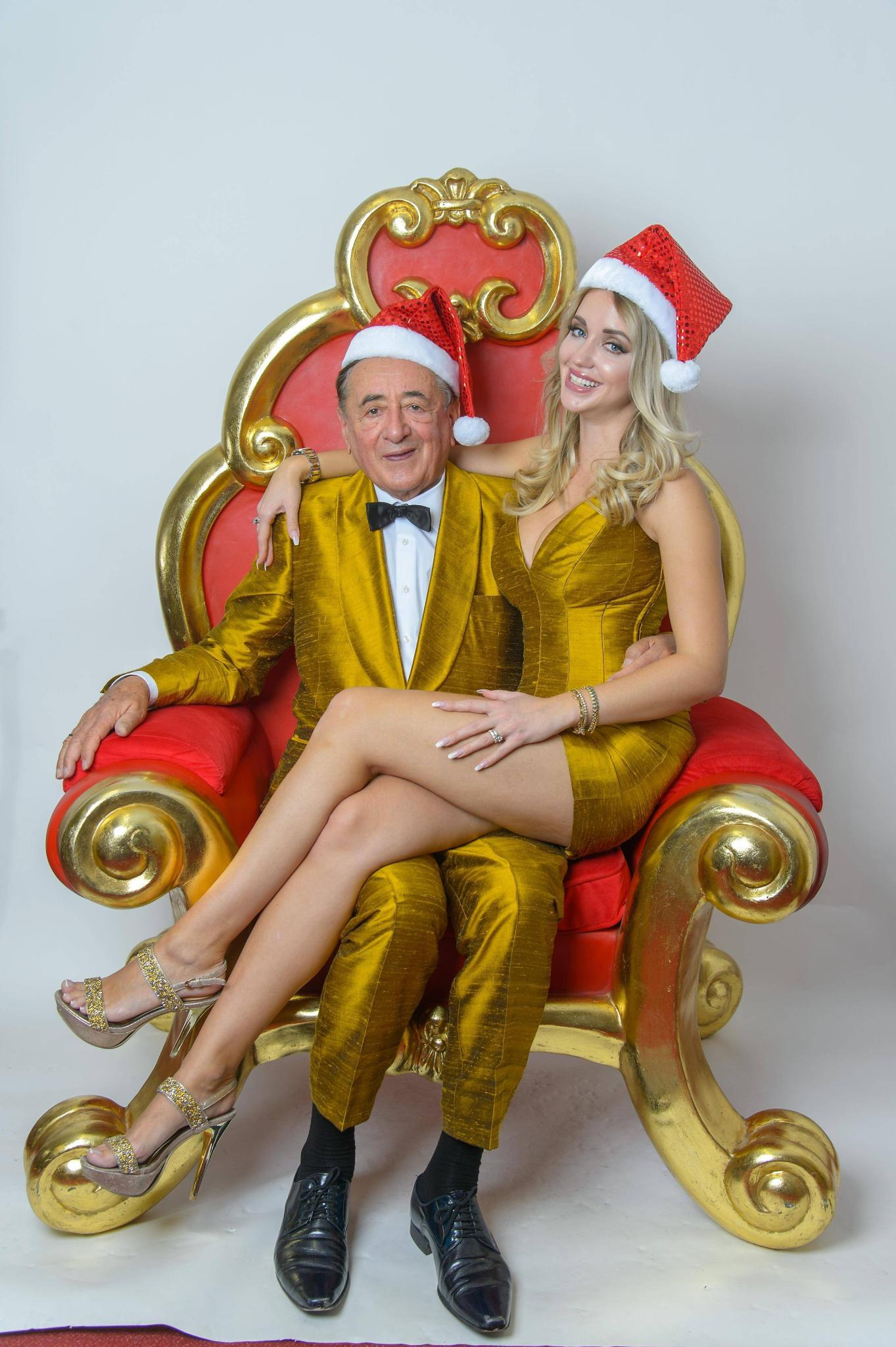 Richard un Cathy Lugner im Weihnachts-Outfit