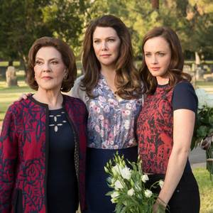 Kelly Bishop, Lauren Graham, and Alexis Bledel
