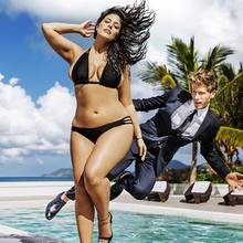 "Ashley Graham in der Kampagne für ""Swimsuits For All"""