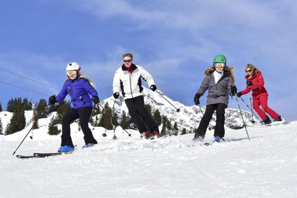 Familie von König Willem-Alexander im Schnee