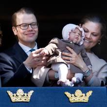 Die schwedische Königsfamilie mit ihrem neuesten Mitglied Prinzessin Estelle