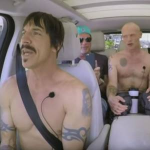 Die Red Hot Chili Peppers im Karaoke-Taxi