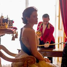 "Claire Foy als Königin Elizabeth in ""The Crown"""