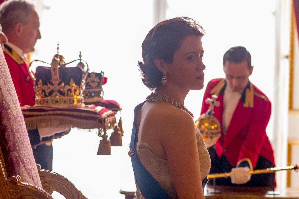 """Claire Foy als Königin Elizabeth in """"The Crown"""""""