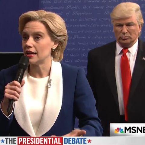 Kate McCinnon als Hilary Clinton, Alec Baldwin als Donald Trump (SNL)