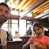 13. November 2016   Die Verwandtschaft mit Alessandra Ambrosio ist nicht zu leugnen, sie sieht ihrer Mutter immer ähnlicher. Aber heute ist Vater-Tochter-Tag! Anja und ihr Vater Jamie Mazur genießen die Zeit zusammen.