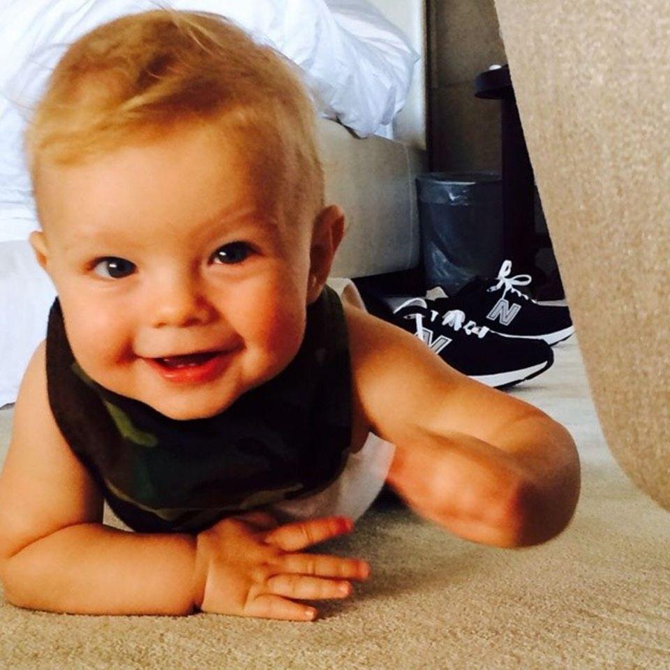 16. Juni 2014: Josh Duhamel trittert ein neues Foto von Sohnemann Axl.