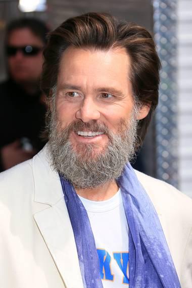 Ja, ist denn heut schon Weihnachten? Komiker Jim Carrey trägt jetzt einen weißen Rauschebart und macht damit dem Weihnachtsmann Konkurrenz.