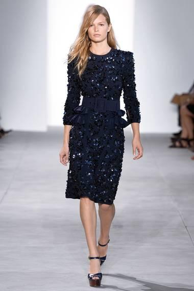 Sieht das Paillettenkleid von Michael Kors vielleicht besser an dem Catwalk-Model aus?