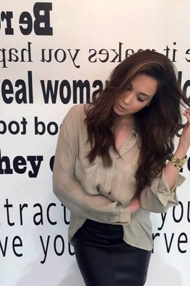 Back to her roots! Mandy Capristo präsentiert sich ihren Instagram-Fans mit dunklen Haaren, ihrer natürlichen Haarfarbe.