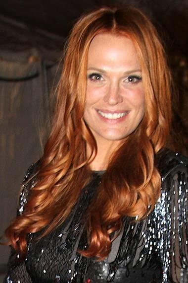 Nur wenige Wochen später zeigt sich das schöne Model Molly Sims dann mit leuchtend roter Mähne.