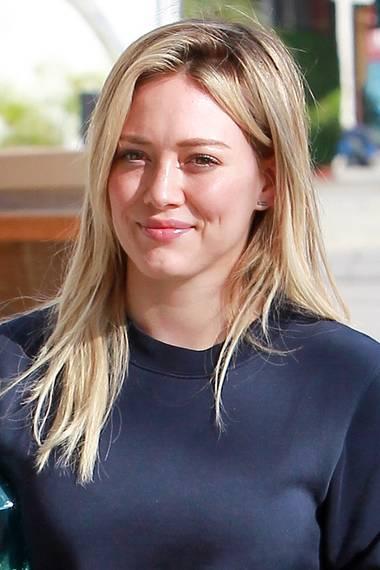 Zwar zeigte sich der ehemalige Disney-Star Hilary Duff auch mal als Brünette, Blond war bisher aber immer ihre bevorzugte Haarfarbe.