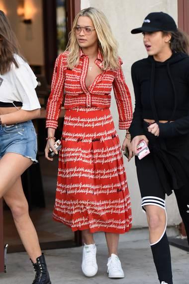 Dass sich Rita Ora nach den Affärengerüchten mit Beyoncés Ehemann Jay-Z nun im gleichen Gucci-Kleid zeigt, könnte durchaus als Provokation verstanden werden