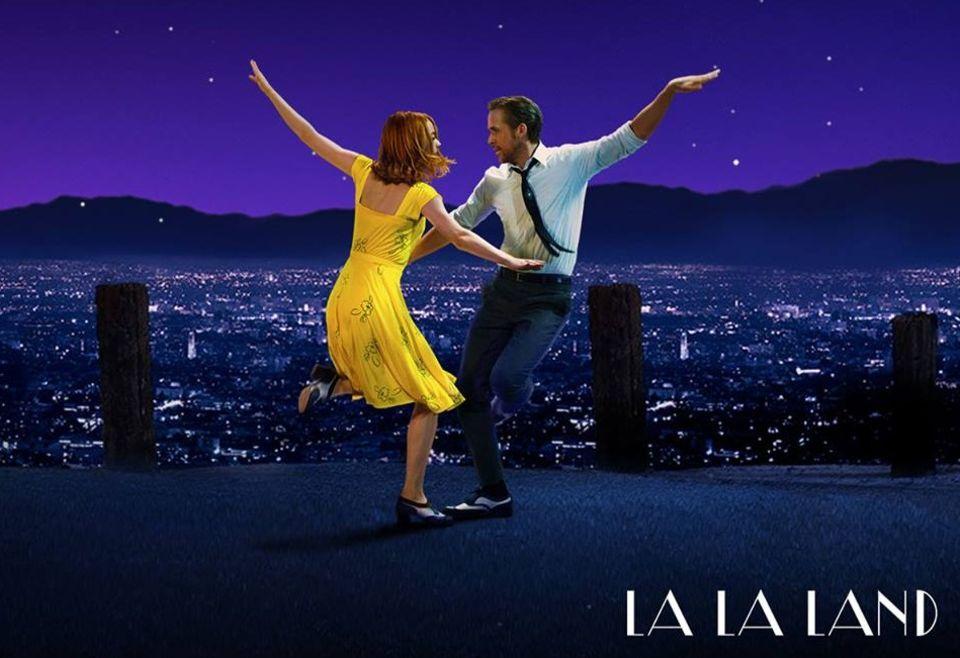 """""""La La Land"""" mit Emma Stone und Ryan Gosling gilt schon jetzt als heißer Anwärter für die Oscars 2017. Der deutsche Kinostart ist für den 12. Januar angekündigt, bis dahin heißt es: Trailer ansehen und träumen..."""