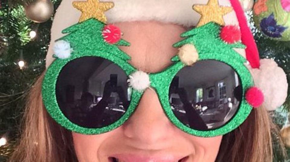 Liz Hurley freut sich auf Weihnachten