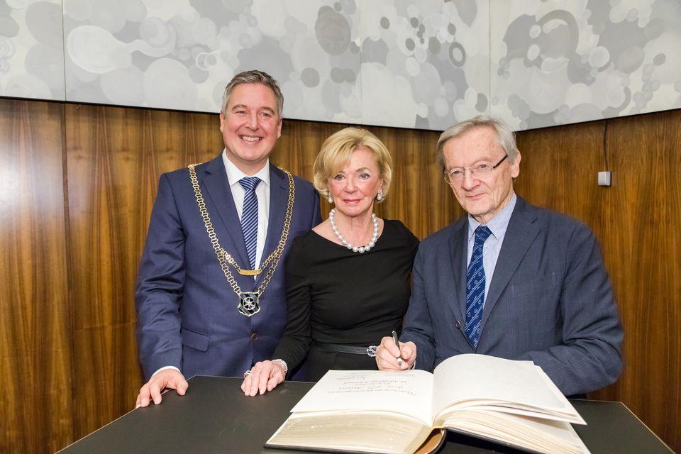 Liz Mohn mit dem Bürgermeister der Stadt Gütersloh Henning Schulz und dem ehemaligen österreichischen Bundeskanzler Wolfang Schüssel
