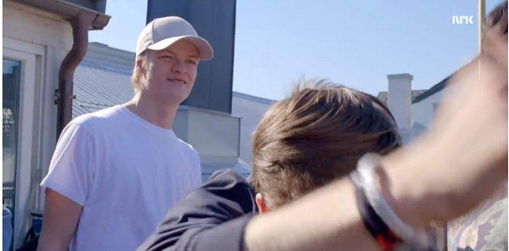 """Unverkennbar war hier als Partygast auftritt: Marius Borg Høiby in der letzten Episode der 2. Staffel von """"Skam""""."""