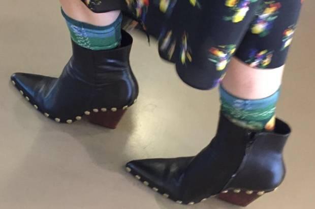 """""""up-stocking"""": So ganz ohne Strümpfe oder Socken geht es in der kalten Jahreszeit leider nicht."""