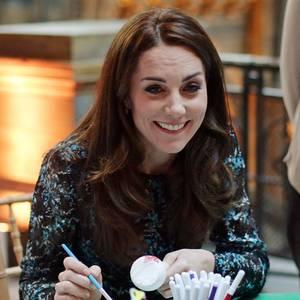 Herzogin Catherine greift bei offiziellen Terminen gerne zu Pinsel und Zeichenstift.