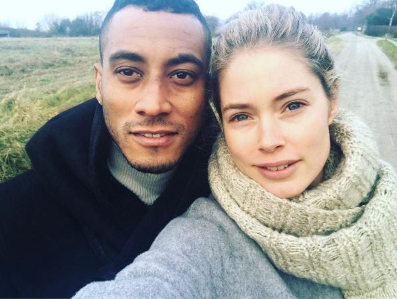 """""""Heute war ein schöner Tag! Liebe dich sehr"""" - postet Doutzen Kroes zum Selfie mit Ehepartner Sunnery James."""