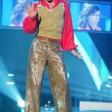 """So kennt man Daniel Küblböck, der im Jahr 2002 bei der Castingshow """"Deutschland sucht den Superstar""""-mitgemacht und den dritten Platz belegt hat. Der Musiker wurde als schräger Vogel bekannt und dafür von seinen vielen Fans geliebt."""
