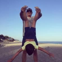 15. Juli 2016   Jede Menge Spaß mit dem Kleinen: Orlando Bloom albert mit seinem Sohn Flynn am Strand herum.